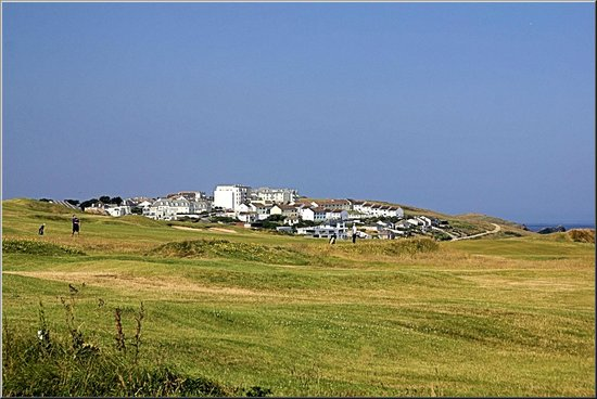 Longbeach Hotel : Across the golf course towards Pentire