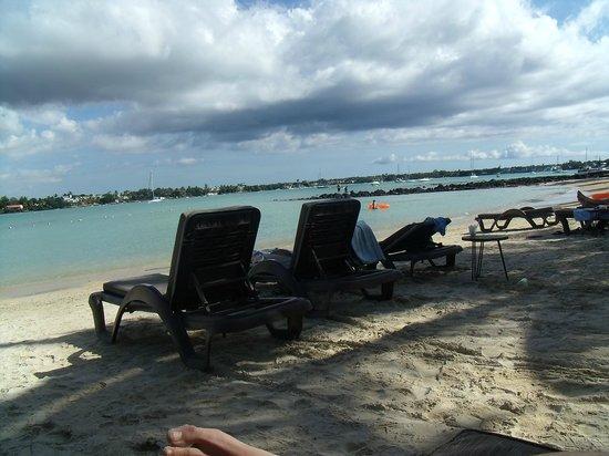 Mauricia Beachcomber Resort & Spa: Playa