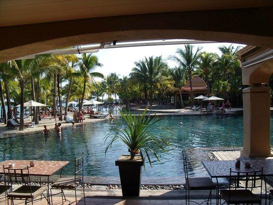 Mauricia Beachcomber Resort & Spa: Vista desde el comedor