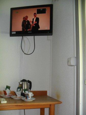 Hotel Acapella: installation electrique de la chambre