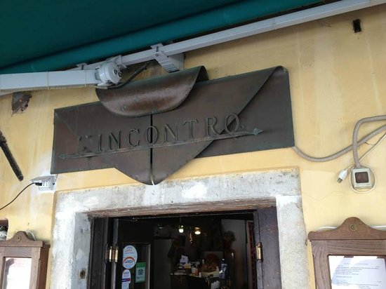 L'Incontro: Restaurant sign (needs a polish...)