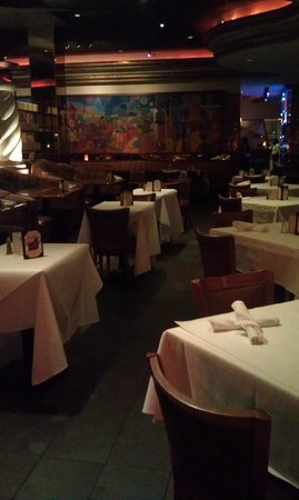 Copeland's Cheesecake Bistro: Empty restaurant