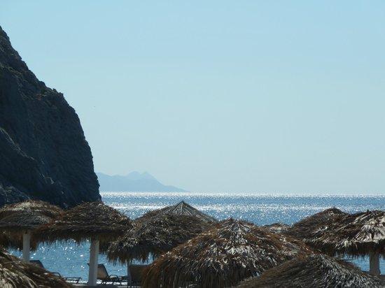 Perissa Beach : Morning sea