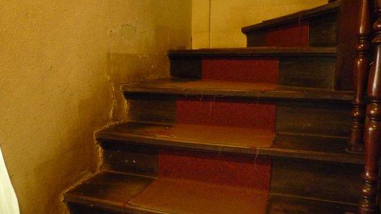 Inter City Boutique Hotel: Treppe zu den Zimmern