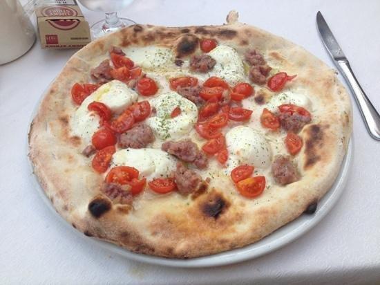 Pizzeria Ristorante alla Rotonda: pizza salsiccia