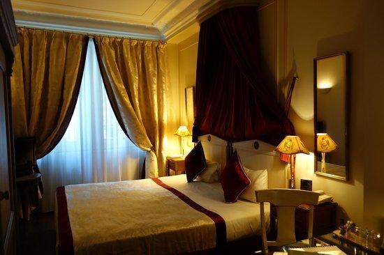 Hotel Residence Henri 4 : Bedroom area of #1