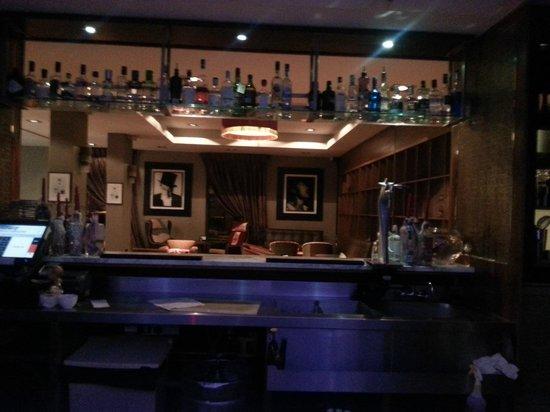The New Ellington: gin bar