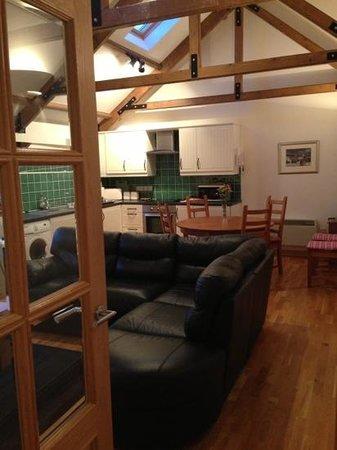 Parkley Farm Holiday Cottages: Lounge/kitchen