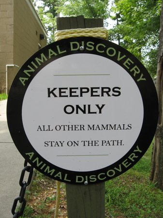 Greensboro Science Center: Loved all the cute signs!