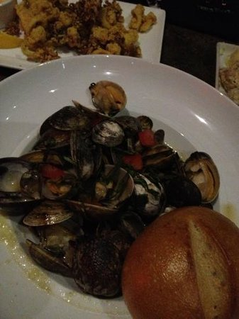 Blackfish Grill : grill clam