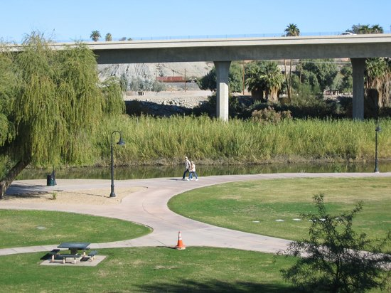 Hilton Garden Inn Yuma Pivot Point: view of walking paths and highway from room