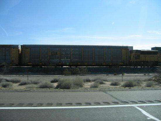 Hilton Garden Inn Yuma Pivot Point: railroad cars