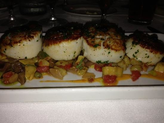 Satterfield's Restaurant: scallops 4