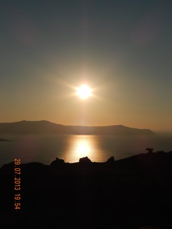 El Greco Resort & Spa: sunset in Thira