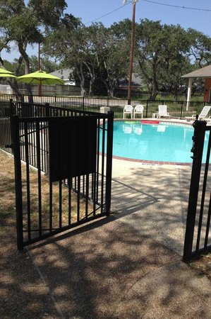 Econo Lodge Inn by the Bay: The pool gate isn't self closing and the latch is broke. Watch your young children!