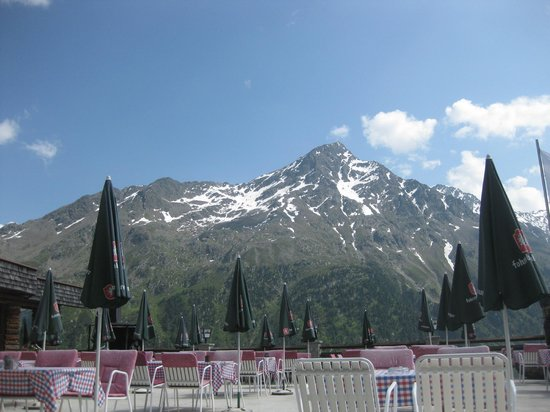 Alpengasthof Gaislachalm: deel van het uitzicht op het terras