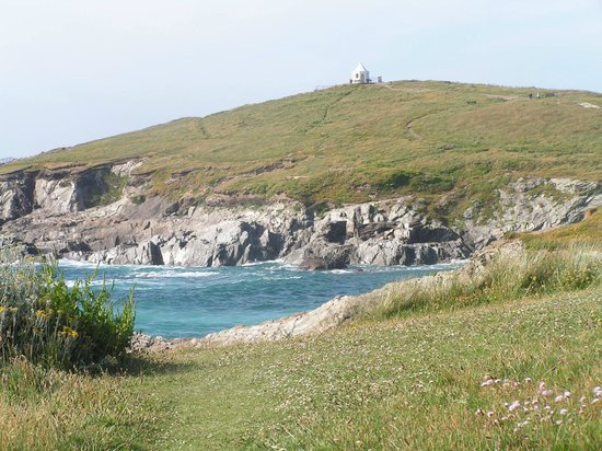 Trevellis Bed and Breakfast: Coast line around Newquay