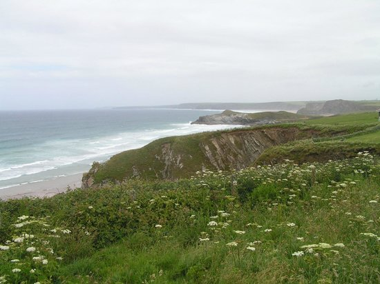 Trevellis Bed and Breakfast: Rough coast