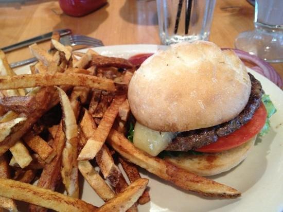 MacPhail's Burgers : classic cheeseburger