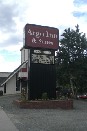 Argo Inn and Suites: Hotel Sign
