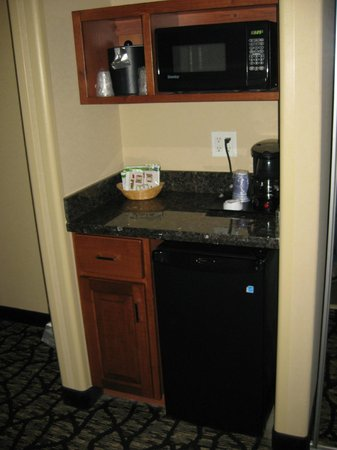 Holiday Inn Express Hotel & Suites Grand Junction : Kitchenette with mini-fridge, microwave, and coffeemaker