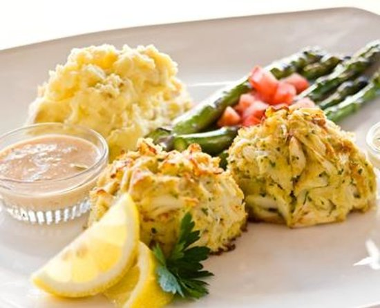 Devon Seafood + Steak: Jumbo Lump Crab Cakes