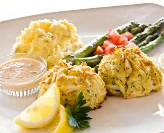 Jumbo Lump Crab Cakes: fotografía de Devon Seafood Grill, Filadelfia ...