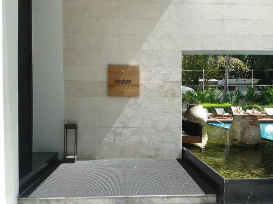 COMO Metropolitan Bangkok : Hotel Front Entrance
