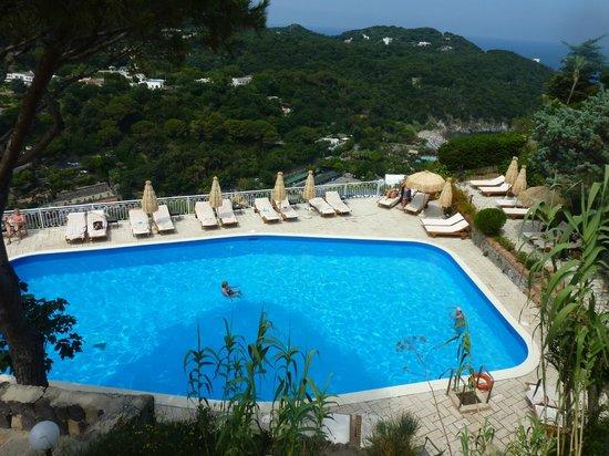 San Montano Resort & SPA: Lower pool