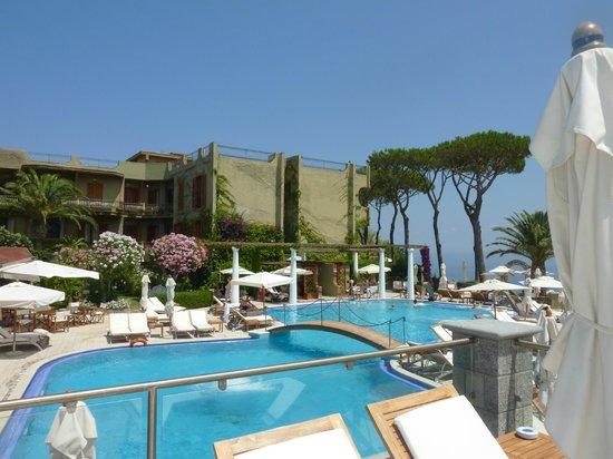 San Montano Resort & SPA: Upper pool