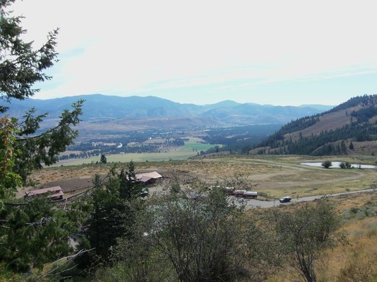 Sun Mountain Lodge: Horses, Wagons and Tennis Courts
