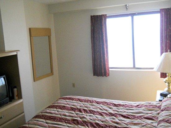 La Renaissance Suites: bedroom