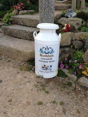 Rosemergy Farmhouse Cream Teas: roddas