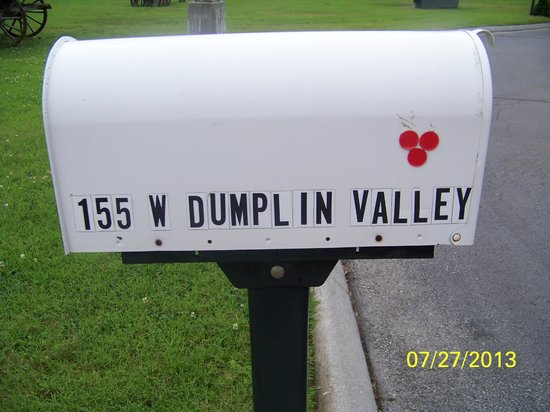 Quality Inn Interstate: mailbox  at entrance to check in drive up
