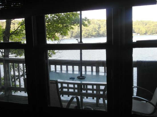 Mill Lake Cottage Resort: Room with a view