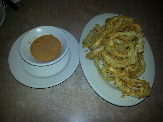 Lisa's Cafe of Madeira: Onion Ring Appetizer with Remoulade