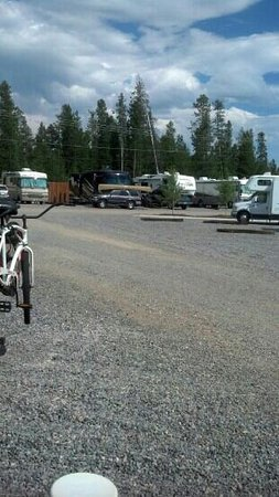 Buffalo Crossing RV Park: Scenic View of Your Gravel Filled Parking Lot Luxary RV Site