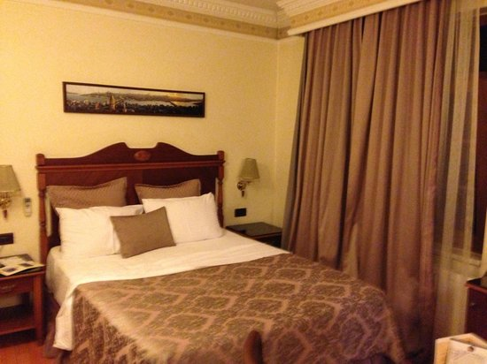 BEST WESTERN Empire Palace: Roob