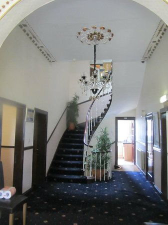 Park View House Hotel: Entry hall
