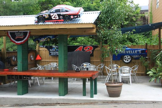 Chevelles 66: Outside seating area at Chevelle's