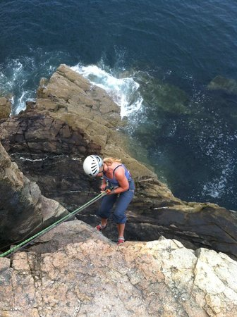 Acadia Mountain Guides Climbing School : heading down the cliff....spectacular!