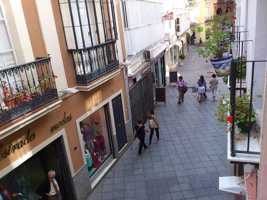 Castellar Singular Apartments: calle Francos from the apartment