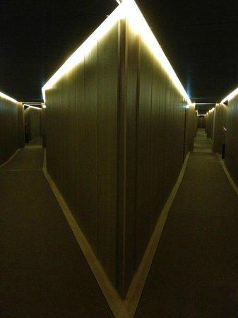 Hotel Cafe Royal: Corridor