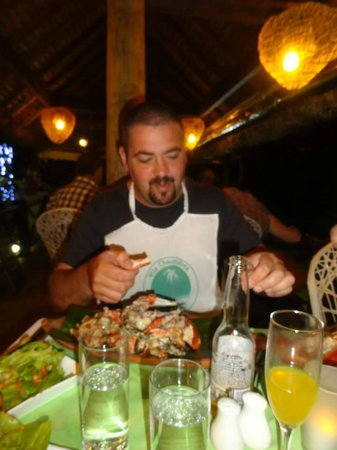Vila Chaumieres Restaurant: got their bibs on!