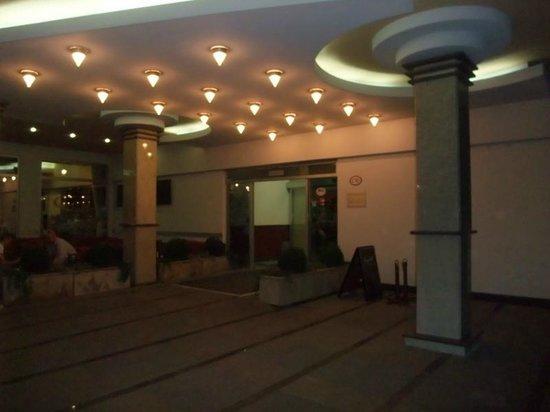 Jelena Hotel: Entrance