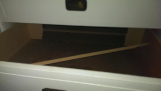 Sea Breeze Condominiums: Broken dresser drawer