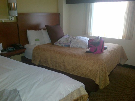 Hyatt Place Philadelphia / King of Prussia: One of the queen size beds