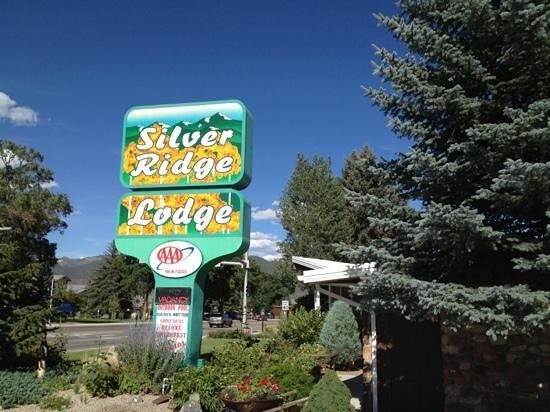 Silver Ridge Lodge: front sign