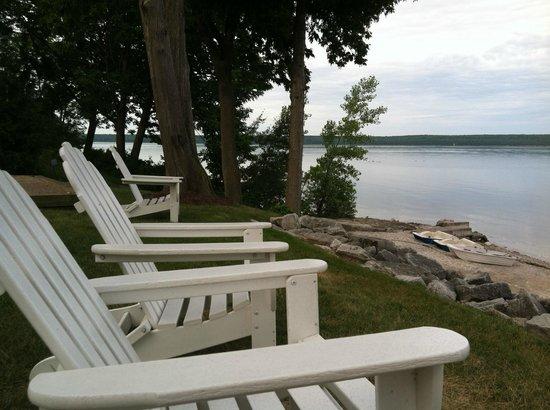 ويستوود شورز ووترفرونت ريزورت: sit and watch the boats and birds, right next to the little sandbox