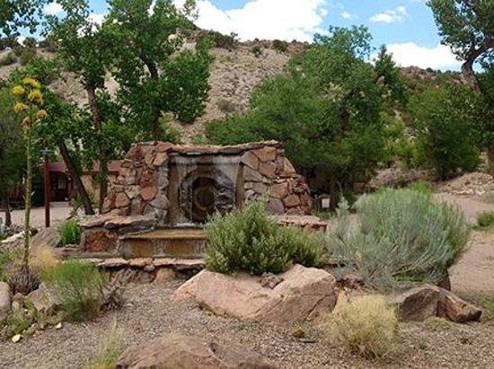 Ojo Caliente Mineral Springs Spa: Fountain at Ojo Caliente